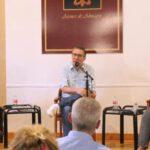 """El escritor Luisgé Martín visitó el Ateneo de Almagro en la primera entrega de """"Memorias del Porvenir"""""""